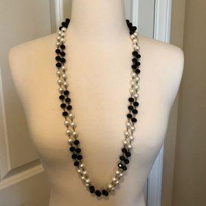 Black & white pearl necklace